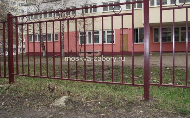 металлический забор из профильной трубы