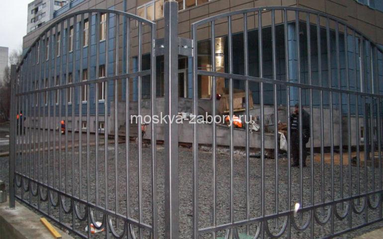 забор из профтрубы в Москве