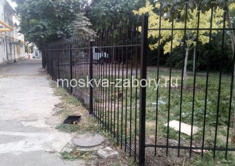 изготовление забора из профильной трубы в Москве